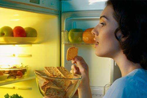 家用电冰箱使用中漏电怎么办