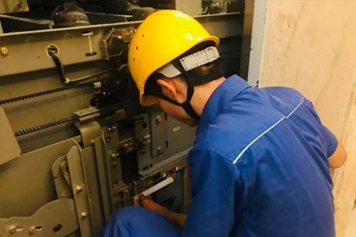 电梯日常维修保养时检查内容有哪些